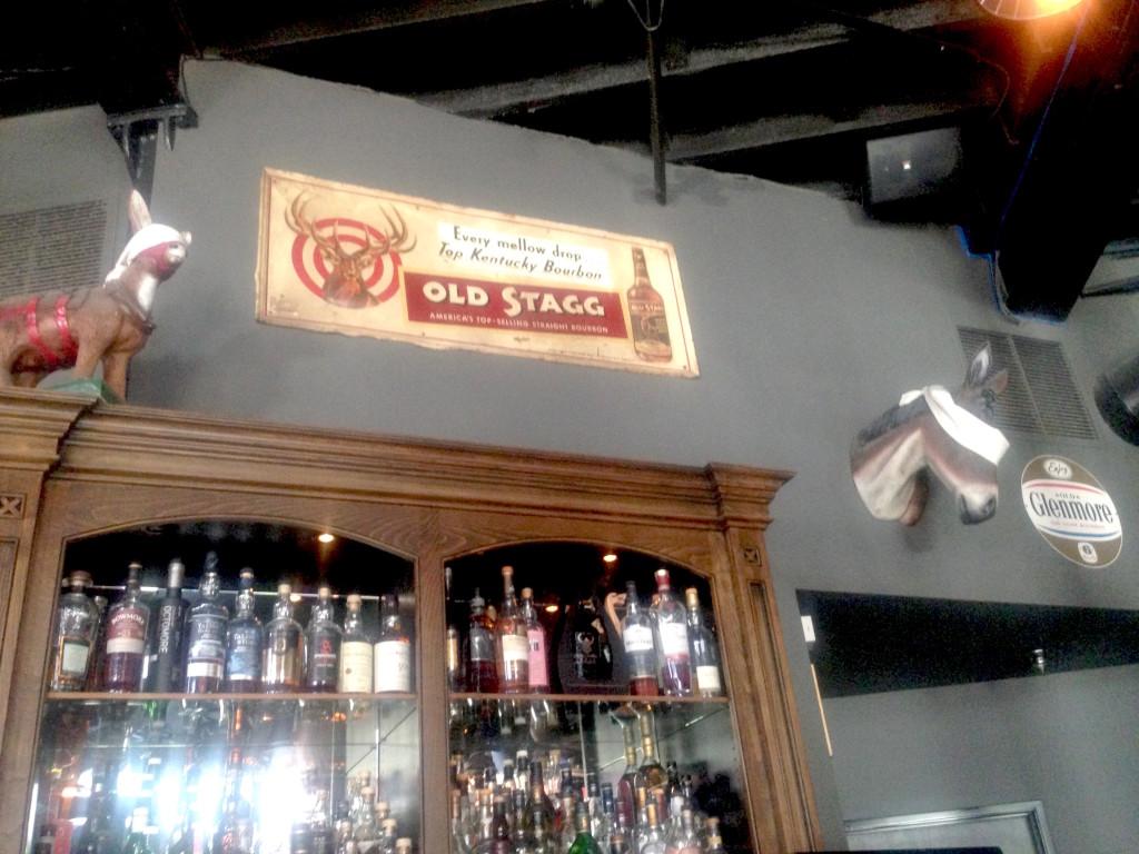 Old Town Pasadena Dive Bar | The Blind Donkey